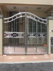 Polished Stainless Steel Hinged Main Gate, Double Door, Material Grade: SS304