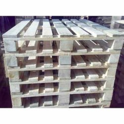 Rectangular Brown Two Way Wooden Pallet, For Packaging, Capacity: 650 kg