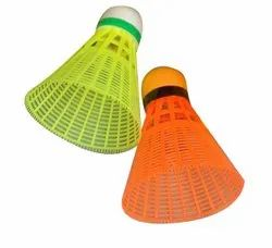 Badminton Shuttlecock Multicolor Colorful Plastic Shuttle Cocks, Synthetic Non Feathered, Packaging Size: 7 Piece