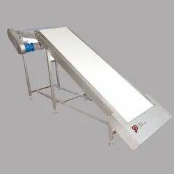 Stainless Steel Flat Belt Conveyor, For Pharma, Material Handling Capacity: 5000 kg