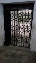 Sliding Mild Steel Collapsible Gate, For Residential