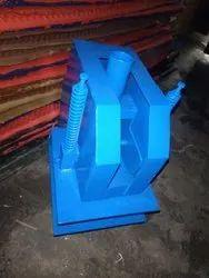 Manual Slipper Sole Cutting Machine