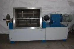 Mild Steel Flour Mixer, Capacity: 50 kg/Hour