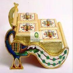 Metal Golden Decorative Dry Fruit Box, Box Capacity (In gms): 250 gms, Box Capacity: 1-5 Kg
