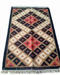 Universal Rugs Fine Wool Handmade Woollen Dhurrie rug