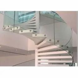 Transparent Bend Railing Toughened Glass, For Home, Office etc., Shape: Curve