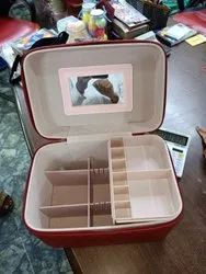 Vanity cosmetic box with mirror