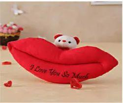 Lips wear soft toys