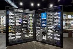 Stainless Steel Movable Unit Shoes Display Stand, For Showroom & Mall