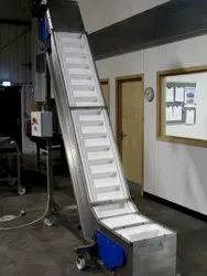 Industrial Bucket Conveyor - SS Capacity: 100-500 Kg Per Feet, 7.5 Kw