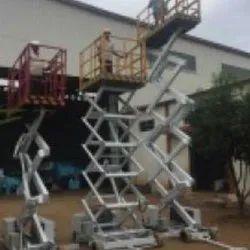 Scissor Lift for machine assembly