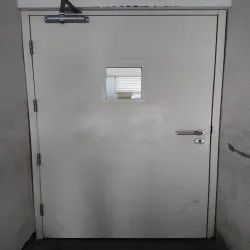 White Manual Swing Door, For Office and Hospital, Size/Dimension: 7 X 5 Feet (H X W)