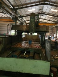 Old And Used Make Hartfrod Double Colam Vmc 3200x2100x1000 Mm