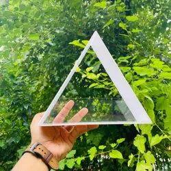 Black & White Acrylic Triangle Hamper Box