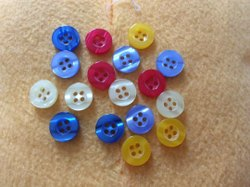 Round Plastic Colored Button, For Garments, Size/Dimension: 10mm (diameter)