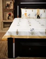 King Size Hand Block Print 200 Tc Premium Fabric With 2 Reversible Pillow Cases