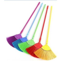 Diamond Ceiling Broom