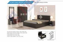 Cherry Wood Natural Wenge Nilkamal Bedroom Set, Size: 72x48x44 Inch