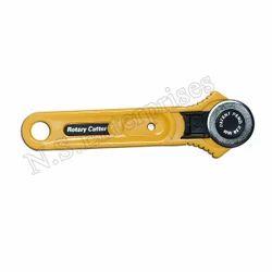 YELLOW 28mm Roller Cutter, Manual