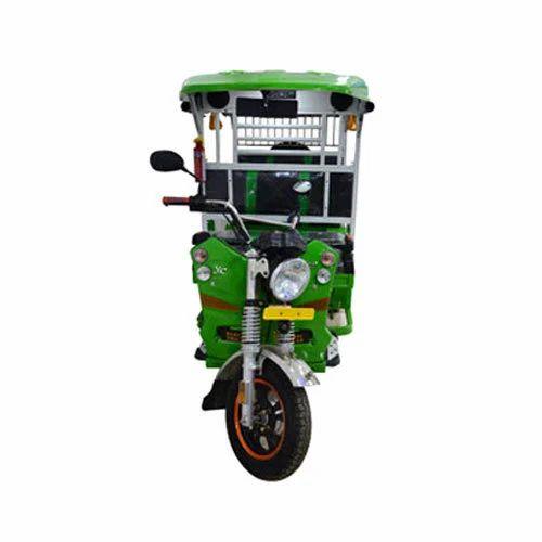 Green Yatri Deluxe E Rickshaw
