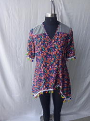 Ladies corner digital printed top with cold sleeve with mess yokes