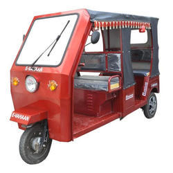 Plastic Roof Battery Operated E Rickshaw