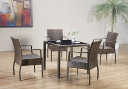 3039 Outdoor Dining Set