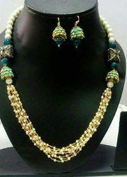 Trendy Ladies Necklace Set