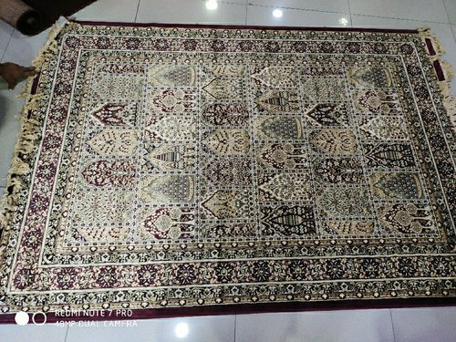 Dee Touch Silk Floor Rugs, Size: 5'X7