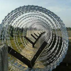 Single Razor Galvanised SS Concertina Coil, For Fencing