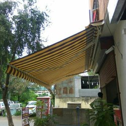 PLAIN, STRIPS Retractable Awning