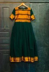 Casual Wear Half Sleeve Ladies Green Cotton Kurti, Machine wash, Size: Medium