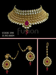Traditional Kundan Choker Necklace Set