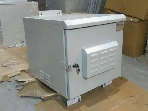 Rackom Ral 7035 Light Grey 9u Ip55 Outdoor Cabinet