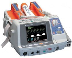 Nihon Kohden Defibrillator