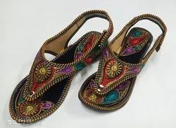 Women Stylish Embroidered Kolhapuri Chappal