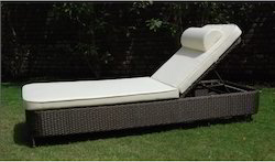 Wicker Pool Lounger Chair