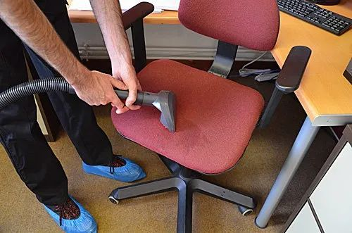 Office Chair Cleaning And Shampooing