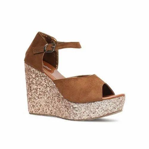 Nupie Girls Trendy Heel Wedges, Size