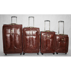 2497ba9e9a40 The Clownfish Marquess Faux Leather 49 L Travel Duffle Trolley ...
