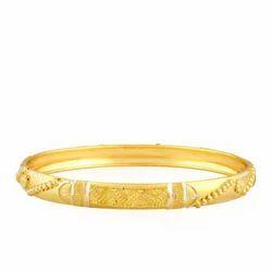 HQ Diamonds Gold Bangle