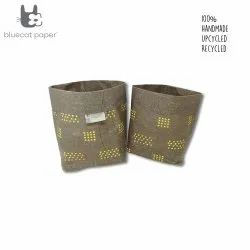 Linen stitch paper sacks - golden yellow dots (set of 2)