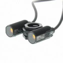 Omron E3FA-TP11 Photoelectric Sensor