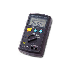 Auto Ranging Insulation Tester