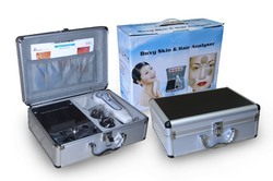 Boxy Skin and Hair Analyser