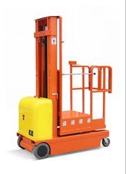 Order Picker Self Propelled