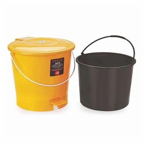 Plastic Cello Padal Dust Bin With Bucket Dlx, Capacity: 10 litre