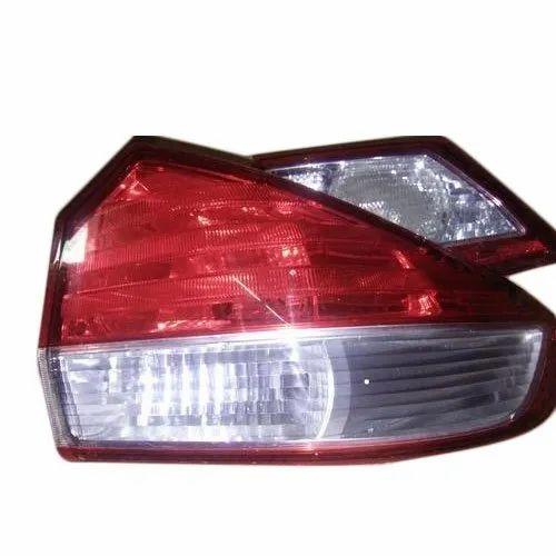 Car Tail Lights >> Maruti Suzuki Ciaz Car Tail Lights