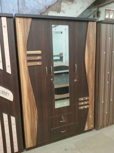 3 Door Wardrobe At Rs 7600 Piece 3 डोर अलमारी 3 दरवाजे