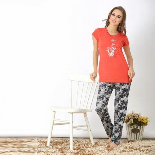 3f0fa619e9 Cotton Printed Stylish Ladies Pyjama Set